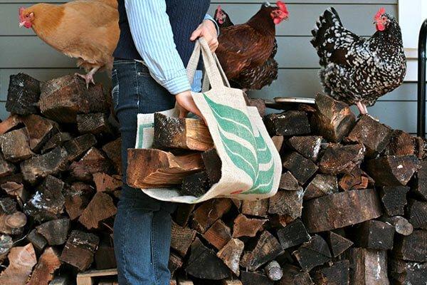 Porte bûches en sac à café